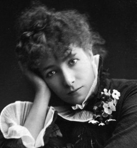 Sarah_Bernhardt_by_Paul_Nadar